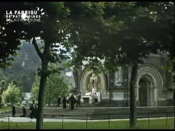 Cérémonie religieuse à Lourdes