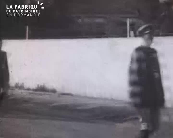 1938, cérémonie à la mémoire de Jean Mermoz